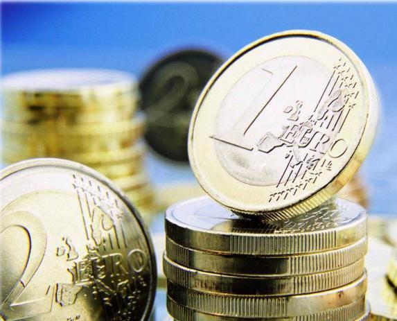 Fiscalité: E. Macron annonce une «vraie réforme» de l'épargne de précaution