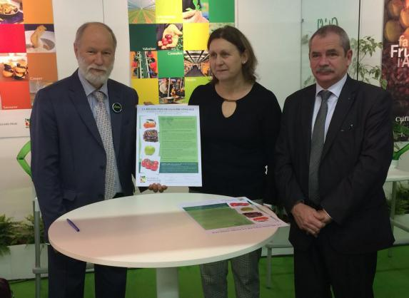 Fruits et légumes : signature d'un premier partenariat régional entre Interfel et Pays de la Loire