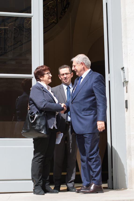 Pac : Jacques Mézard annonce comme prioritaire le paiement des aides