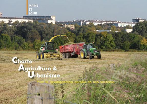 Aménagement: charte agriculture et urbanisme Maine-et-Loire